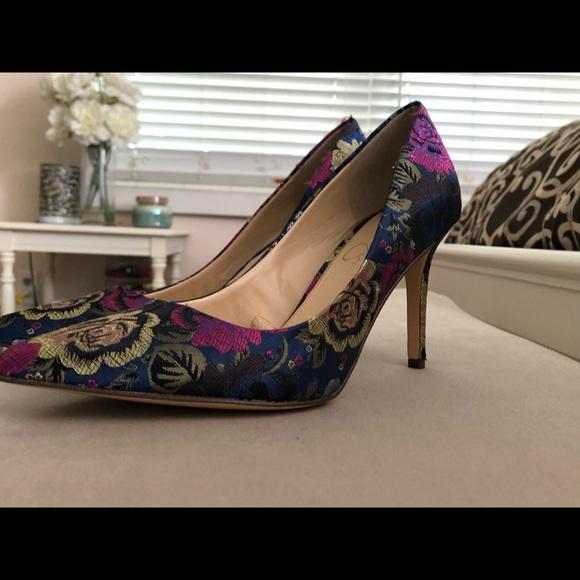 48514f209b4b Jessica Simpson Shoes - Jessica Simpson floral pumps